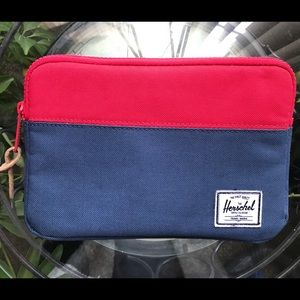 Herschel Tablet / IPad Case